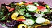 طبخ سلطة خضراء