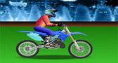 قيادة الدراجة الصحراوية و القفز بها